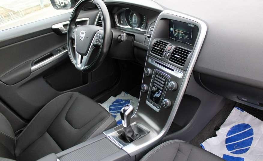 Volvo XC 60 Panorama xenon Navi Internet Skóra zdjęcie 23