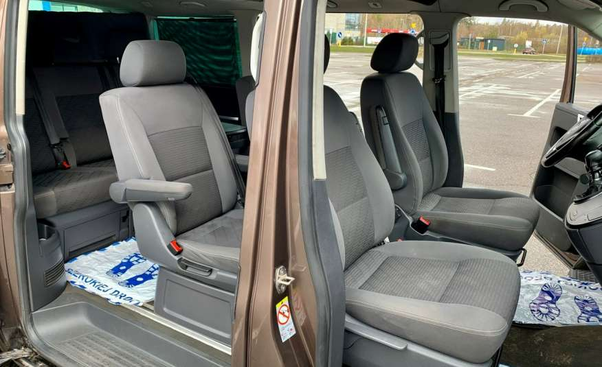 Volkswagen Multivan Camper 2.0tdi 140KM 4Motion navi kamera stolik 5xłóżko gwarancji zdjęcie 17