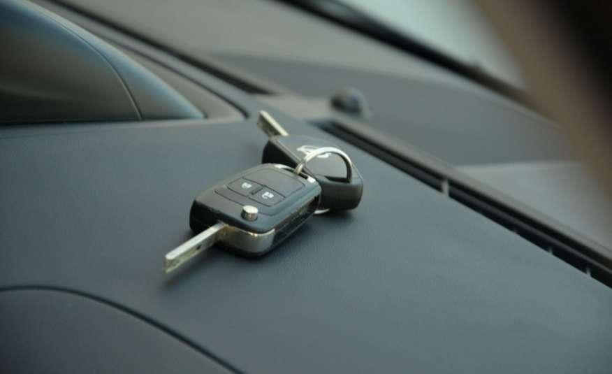 Opel Zafira Zafira Opłacona 1.6CDTI 136KM Bi-Xenon Navi Serwis Alu Gwarancja zdjęcie 30