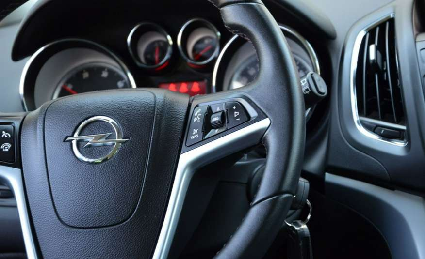 Opel Zafira Zafira Opłacona 1.6CDTI 136KM Bi-Xenon Navi Serwis Alu Gwarancja zdjęcie 36