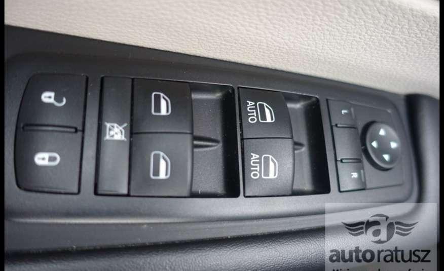 Chrysler Pacifica Automat Bardzo Zadbany Oryginalny Przebieg 7 osób zdjęcie 16