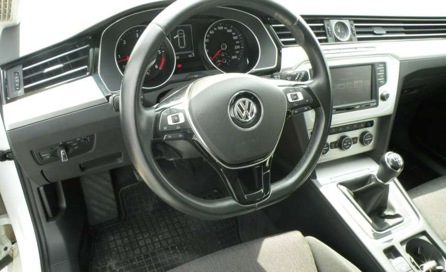Volkswagen Passat F- vat gwa 1 rok grzane fotele Vebasto zdjęcie 15