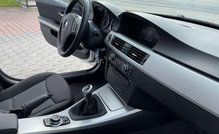 BMW 320 Lifting 320d 177KM touring NAVI GPS Alu Webasto fabryczne Z Niemiec zdjęcie 32