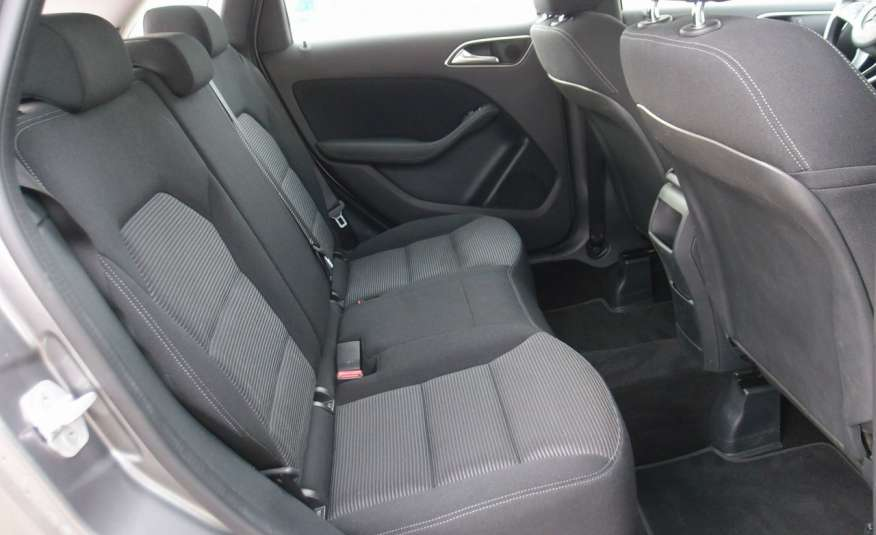 Mercedes B 180 LIFT / Navi / Parktronik / Tempomat / Serwis / IDEALNY / ROK GWARANCJI zdjęcie 22