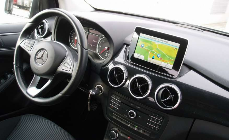 Mercedes B 180 LIFT / Navi / Parktronik / Tempomat / Serwis / IDEALNY / ROK GWARANCJI zdjęcie 25