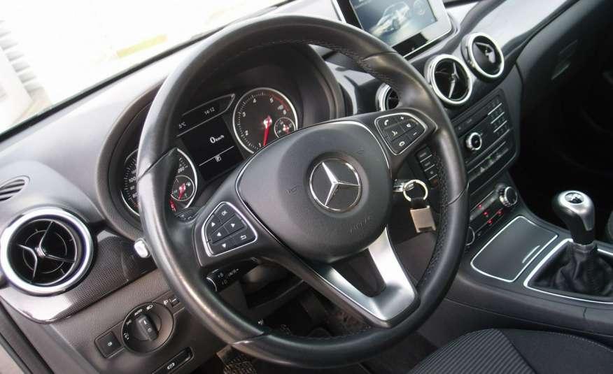 Mercedes B 180 LIFT / Navi / Parktronik / Tempomat / Serwis / IDEALNY / ROK GWARANCJI zdjęcie 31